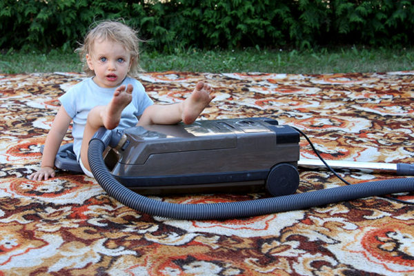 baby does carpet cleaning